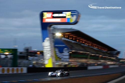 LMP1-Audi-with-Michelin-Sco