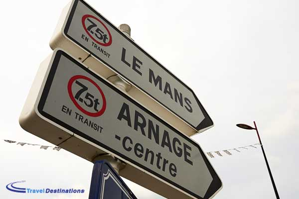 Le Mans travel