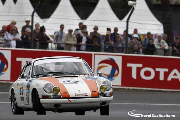 Classic Porsche race at le mans classic
